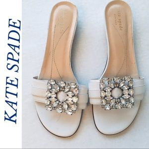 GORGEOUS WHITE LEATHER KATE SPADE FLATS/ SANDALS